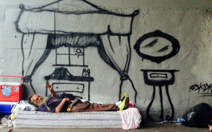 l a graffiti artist humanizes homeless people by painting their